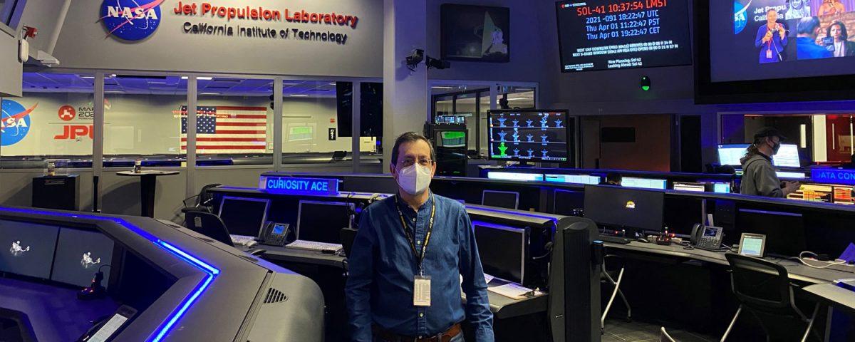 Fernando Peralta, Exalumno Bartolino. Ingeniero aeroespacial en JET Propulsion Laboratory, NASA